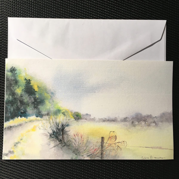 le chemin de campagne et enveloppe